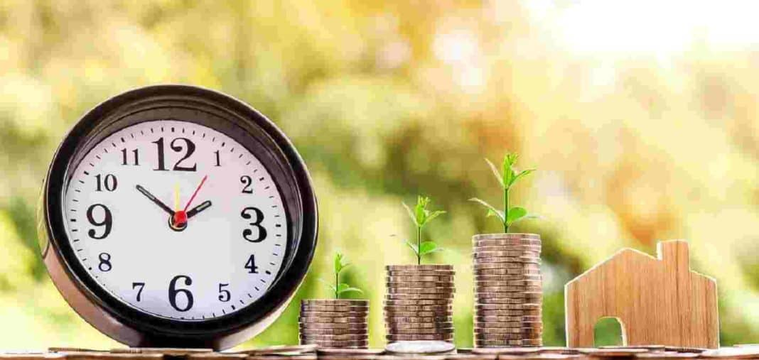 Money clock home coin investment - invest in SIP